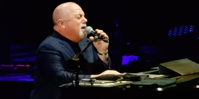 Billy Joel Performing at Madison Square Garden (slgckgc, flickr)
